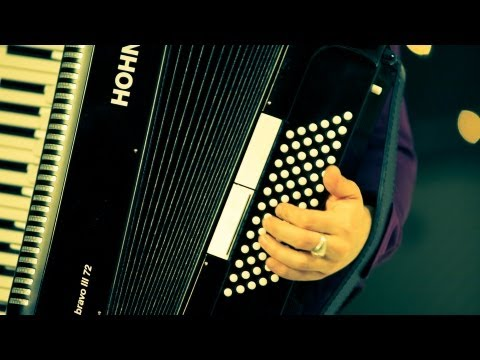 How to Play Bass Chords   Accordion Lessons
