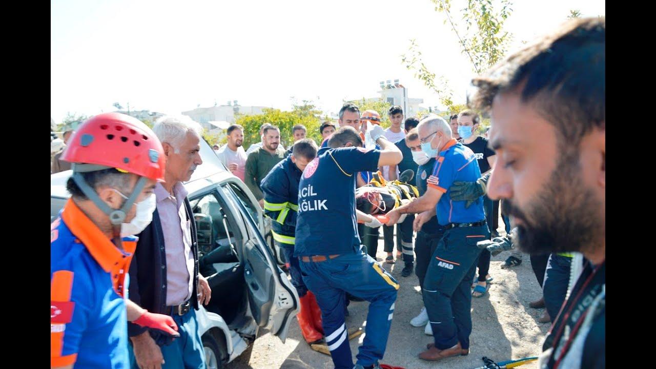İzinsiz aldığı otomobille elektrik direğine çarpan Umutcan ağır yaralandı
