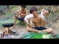 Survival skills Cooking legs pig Fried Recipe in forest near River