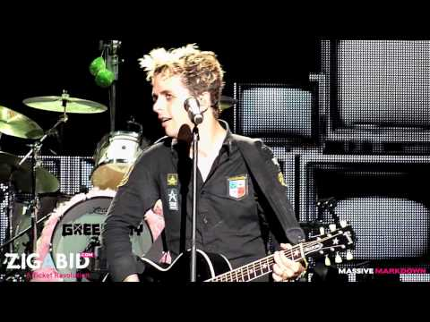 Green Day - Wake Me Up When September Ends & Good Riddance (Time Of Your Life) LIVE