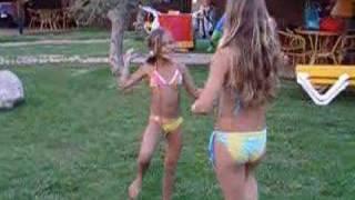 Repeat youtube video Shyline en merel in Spanje 2006