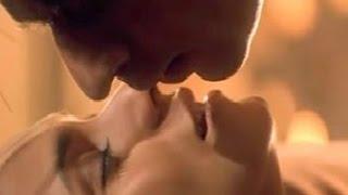 Shahrukh Khan Kissing Kajol