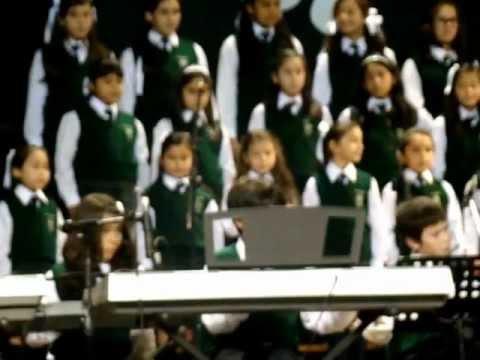 Coro del colegio Hiram Bingham - I will follow him