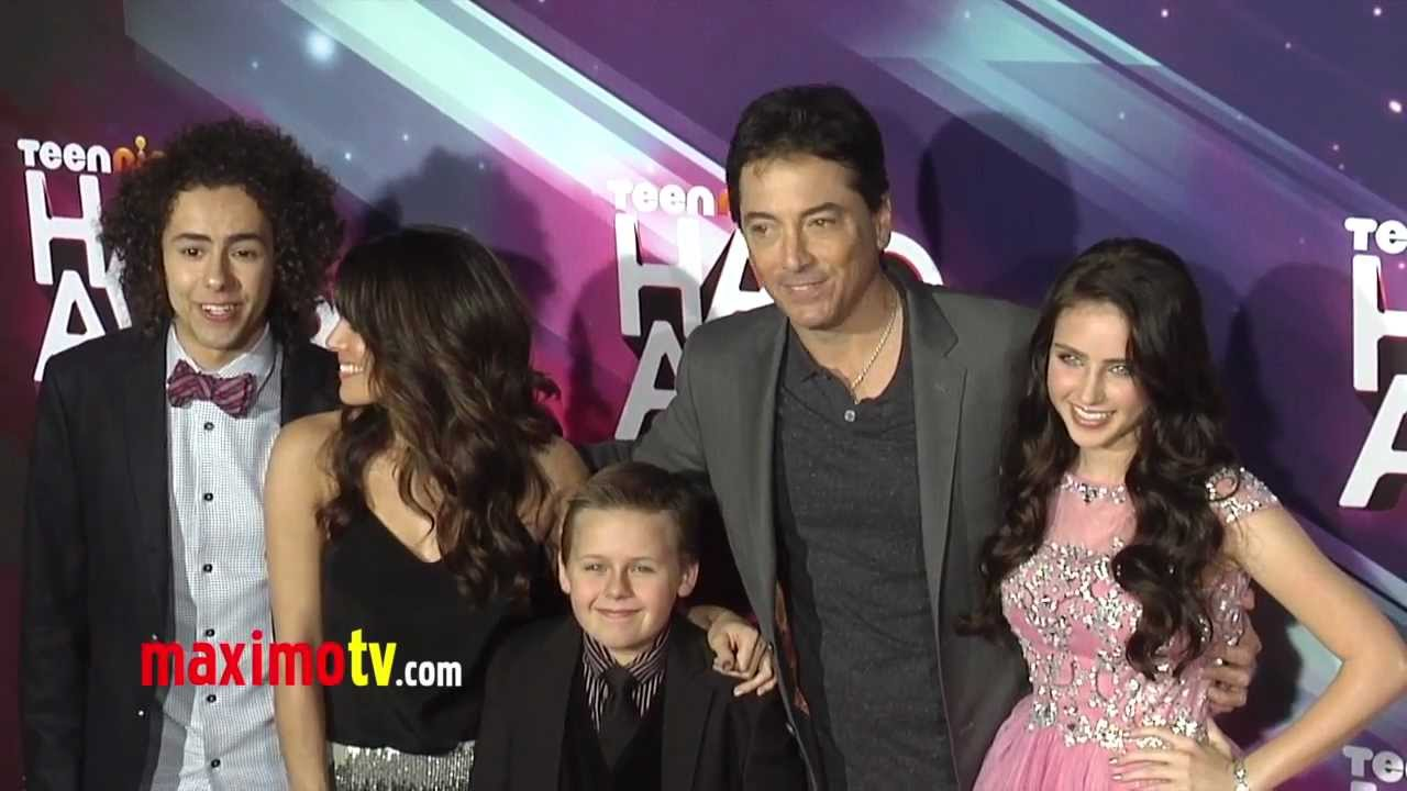Download SEE DAD RUN Cast TeenNick HALO Awards 2012 Arrivals