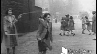 The Singing Street: children playing in Edinburgh (1950s)