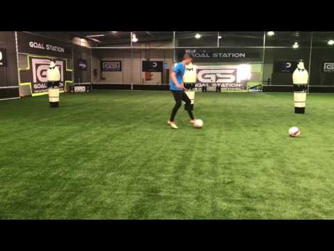 Individual football session for a centre forward
