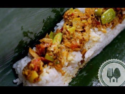 Membuat Nasi Bakar...