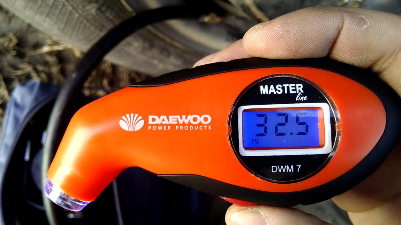 Цифровой автомобильный манометр Daewoo DWM 7 против аналоговых и китайца-близнеца