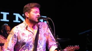 One Foot in the Bayou : Tab Benoit