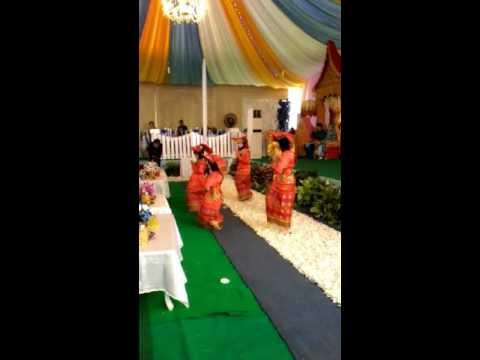 Tari Pasambahan SDIT AL JIHAD Metro Pusat di Pesta Pernikahan