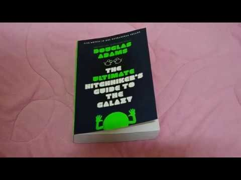 the-ultimate-hitchhiker's-guide-to-the-galaxy-paperback