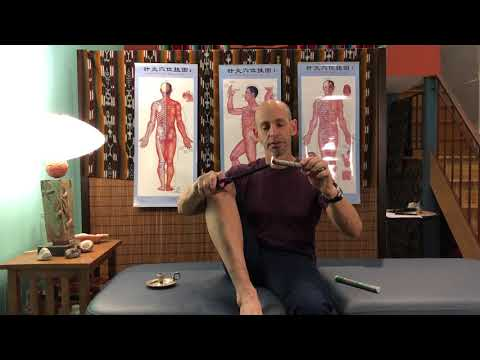 How to apply moxibustion to yourself