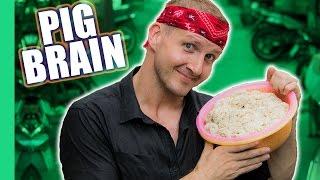 Pig Brain Soup (Súp cua óc heo) -  Vietnamese Street Food!