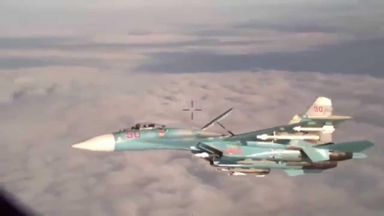 Су 27 перехватывает Lockheed P-3 Orion над Балтийским морем