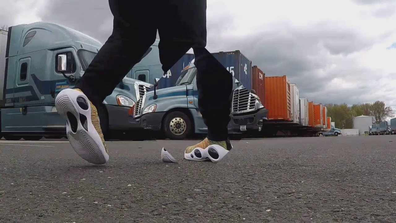 c62588cf045e Flight Bonafide On Feet - YouTube