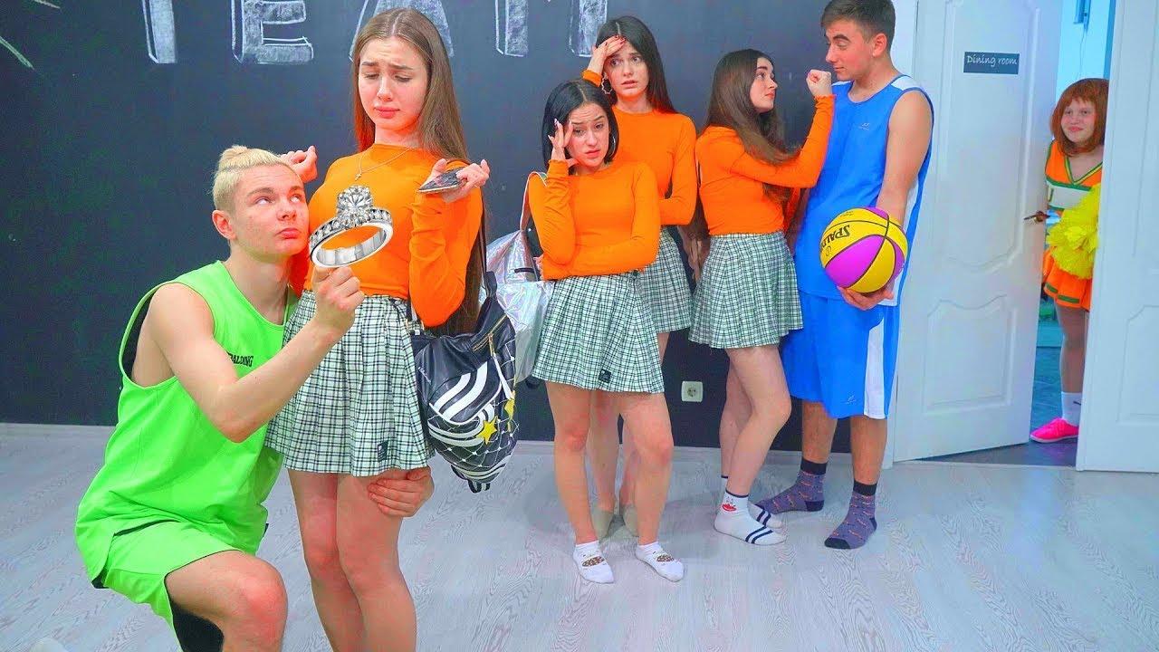 Pemain basket meminta maaf kepada Diana! Berbagai Tipe Murid di Sekolah!