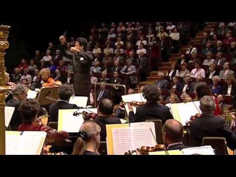 J. Strauss: Rosen aus dem Sueden Walzer-  Daniel Nazareth, conductor