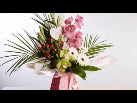 30 Second Floral Designs: Cuban Porto Vase Arrangement