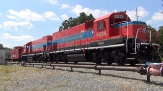 Piedmont & Northern on a siding in Ranlo NC!!! PNRW 1434 & 1451