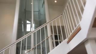 hydraulischer aufzug mit einzigartig t r rud prey im rathaus bad oldesloe. Black Bedroom Furniture Sets. Home Design Ideas