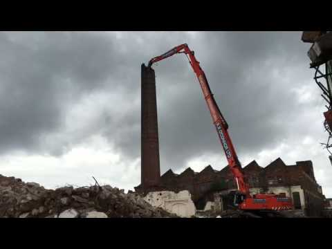 Demolishing of Ogdens Chimney Liverpool 2016 Pt 2