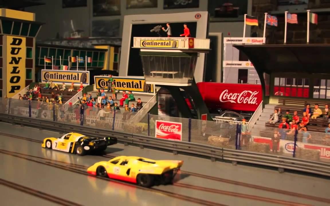 Slotracing Rennstrecke aus Holz statt Carrerabahn aus Kunststoff