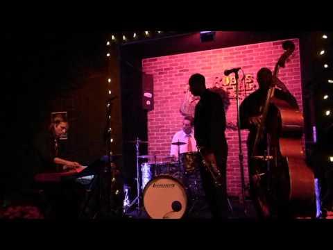 151217 - Hiram Hazley & The Le Jazz Trio at Ruby's Elixir #2