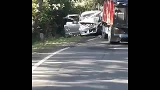 Terjadi Kecelkaan Mobil vs Truk TABANAN BALI