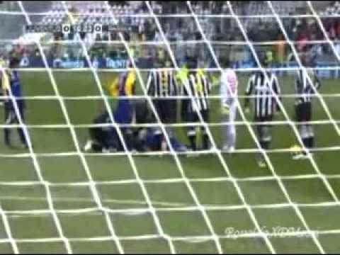 Juventus Vs Parma - Felipe Melo Agression - 06/01/11