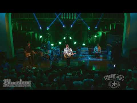 Aaron Lewis Sings 'The Road' Live at the Bluestone