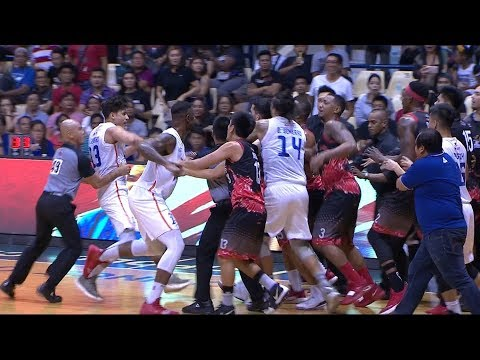 TNT - Phoenix SCUFFLE (VIDEO)