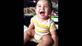 Baby Ketawa Comel