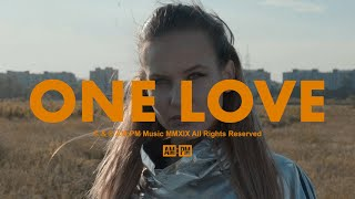 Смотреть клип Myra Monoka Ft. Eye-D - One Love