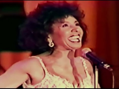 Shirley Bassey - For Once In My Life (1990 Live in Yokohama)