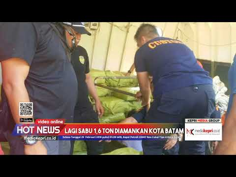 Saat Petugas Amankan Empat Pelaku Penyelundup Sabu 1,6 Ton Ke Batam