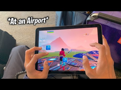 Playing FORTNITE MOBILE ON AN AIRPLANE