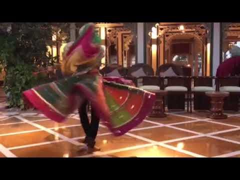 Indian dance Taj Lake Palace hotel