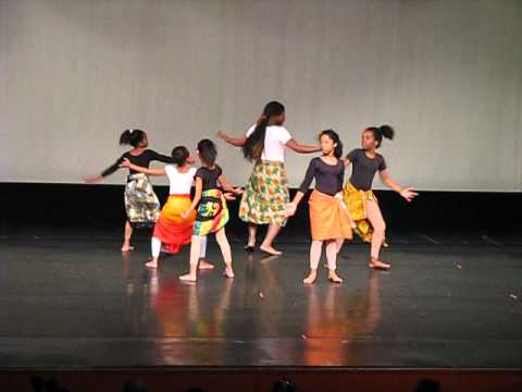 Freedom Theater African Dance 2