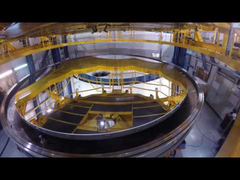Coating operation of an 8 meter telescope mirror at Paranal