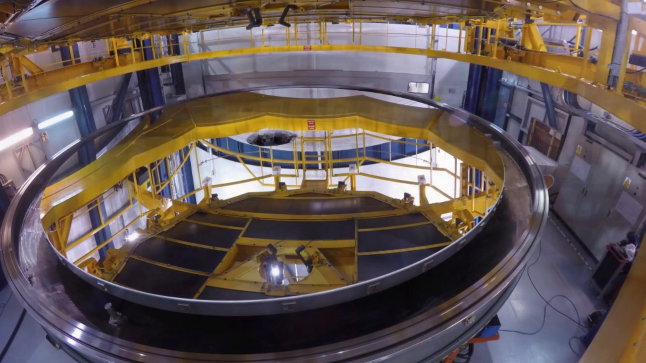 Coating Operation Of An 8 Meter Telescope Mirror At