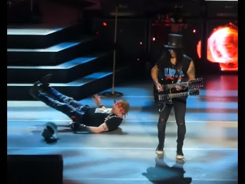 Guns N' Roses' Axl Rose fell on stage in Las Vegas at Caesars Palace