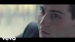 Douwe Bob - Pass It On (official video)