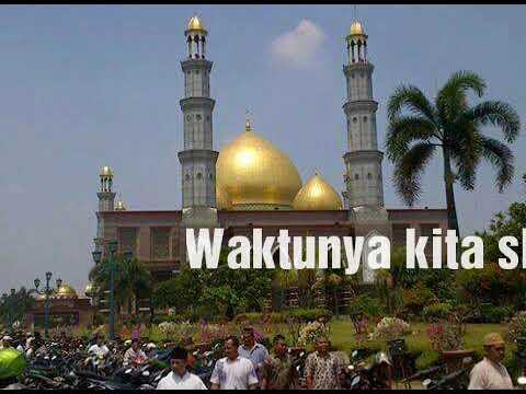 Adzan masjid kubah emas....