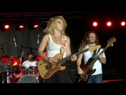 """Samantha Fish Plays, """"War Pigs"""" At The Marquette Blues Fest. 9/4/2016"""