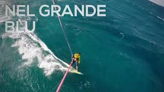 Il kitesurf d'inverno a La Caletta. Igor Muntoni si immerge nel grande blu del mare della Sardegna. Riprese dall'alto con GoPro. Visita il nostro sito: ...