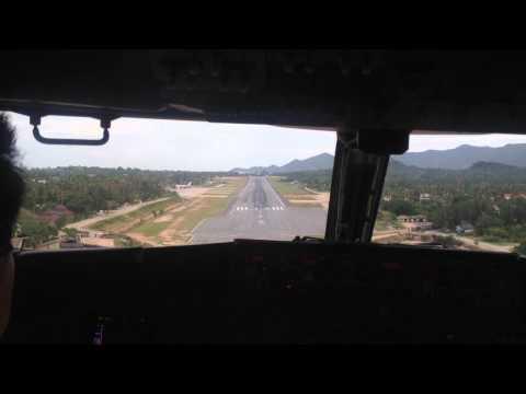 B737- 400 cockpit view landing at Koh Samui