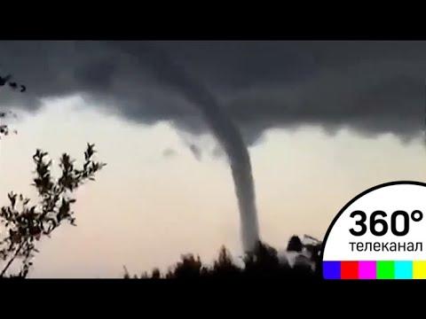 Над Ладогой пронесся огромный смерч: видео
