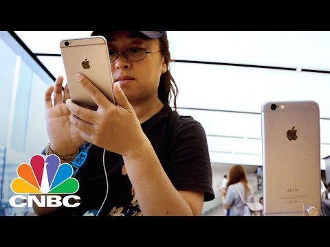 Apple Pay Debuts In China | CNBC