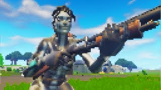 I tried playing Fortnite in the WORST GRAPHICS and this happened... 😱