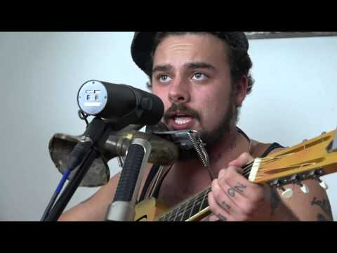 Band On A Couch - The Vaudevillian Returns
